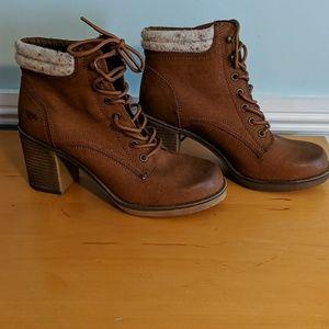Tan heel ankle boots 9 rocketdog
